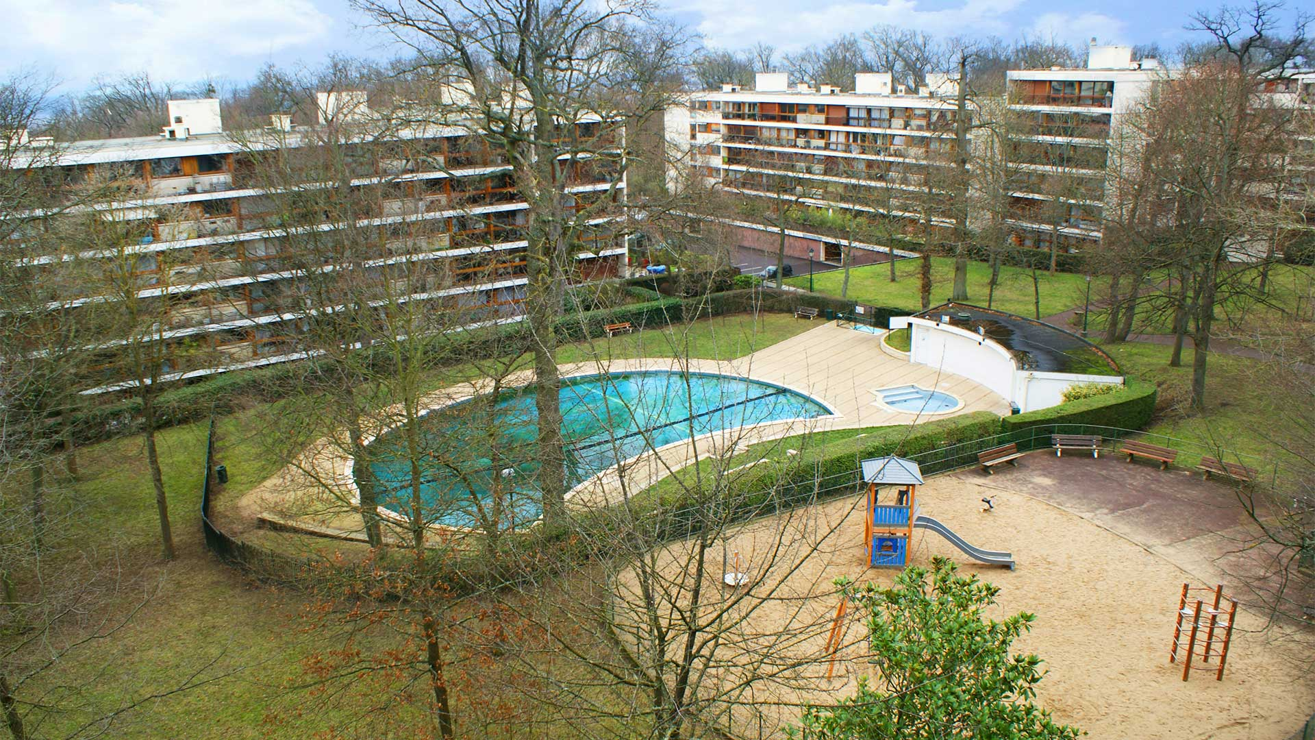 Piscine la celle st cloud trendy piscine la celle st for Piscine saint cloud